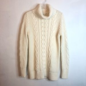 GAP CHUNKY CABLE KNIT OVERSIZED TURTLENECK SWEATER